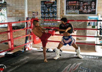 muay-thai-beginner-training-sessions-young